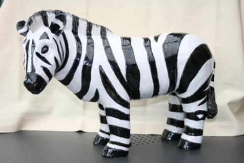 Annamarie + Vic Zumsteg, Zebra  (Annamarie Zumsteg), Dekoratives
