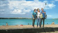 Thomas-Steyer-Menschen-Gruppe-Landschaft-Strand-Moderne-Fotorealismus