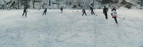 Jennifer Walton, Shinny 4, Sport, Landschaft: Winter, Gegenwartskunst