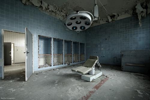 Manfred Kriegelstein, Operation Room, Architektur, Abstrakter Expressionismus