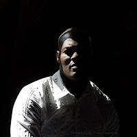 Liona-Toussaint-Menschen-Portraet-Gefuehle-Stolz