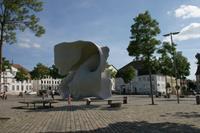 Simon-Schade-Menschen-Gruppe-Gesellschaft-Moderne-Kunst-am-Bau