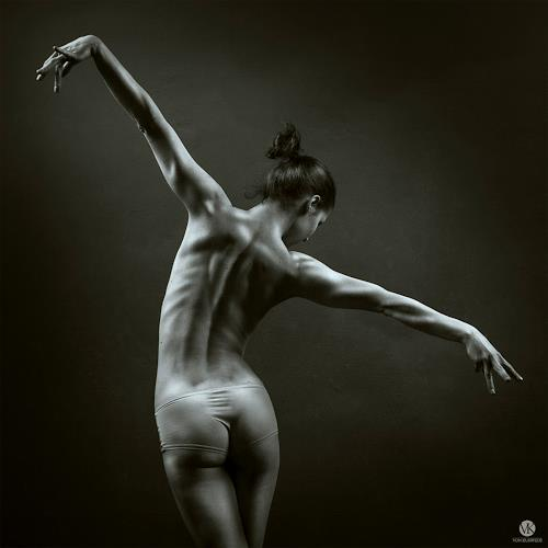 Nude And Naked Female Dancers 11