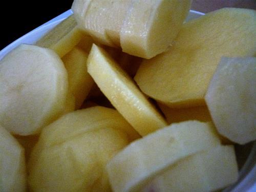 Steve Soon, Banane, Kartoffel oder?, Stilleben, Konkrete Kunst