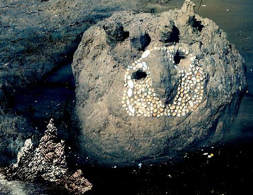 Rotraut Richter, Grüßende Königseule, Diverse Tiere, Natur: Erde, Gegenwartskunst