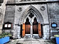 Sankofa-Glauben-Bauten-Kirchen-Moderne-Fotorealismus-Hyperrealismus