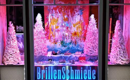 """Silke Brandenstein, Winterdeko Brillenschmiede mit meinem Werk """"Jungbrunnen, Gefühle: Freude, Fantasie, Action Painting"""