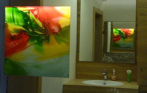 maria kammerer, Glasbild im Spiegel, Abstraktes