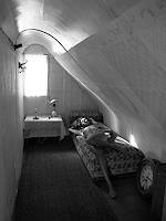 zanzib, attic. siesta.